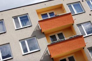 Miért bízza profikra a panel ablakcserét?